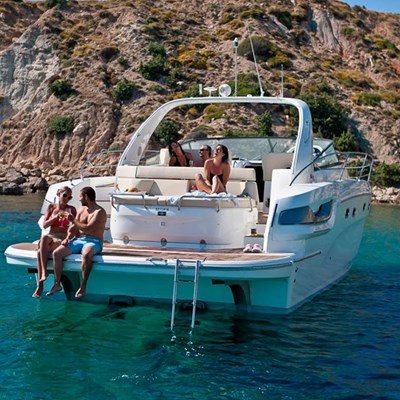 Boat rental offers in the Canary Islands in December