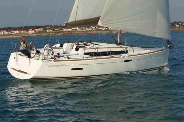 Sun Odyssey 379 2012-13