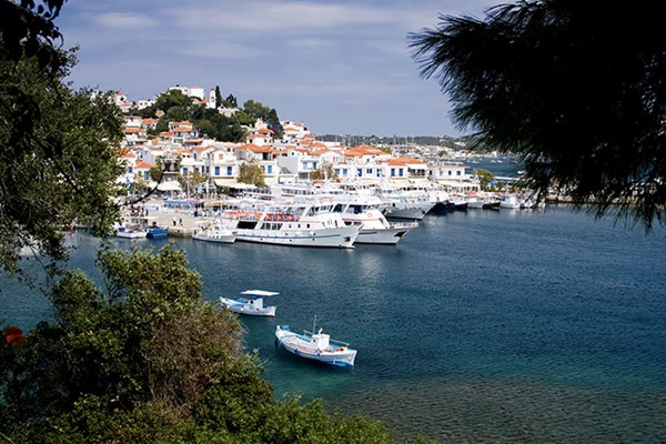 Yacht charter in Skiathos 1