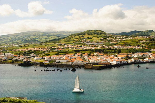 Yacht charter in the Azores 1