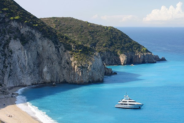 Yacht charter in Lefkas 1