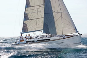Sailing Boat - Dufour 405 grand large
