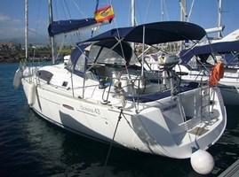 Sailing Boat - Oceanis 43