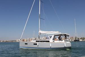 Sailing Boat - Oceanis 38