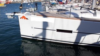Sailing Boat - Dufour 412 Grand Large