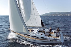 Sailing Boat - Bavaria Cruiser 34 2008-10