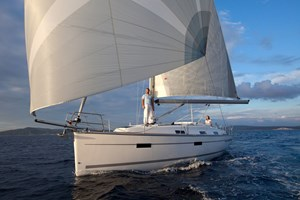 Sailing Boat - Bavaria Cruiser 36 2011-13