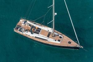 Sailing Boat-Oceanis 60