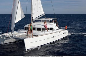 Catamaran - Lagoon 380 (CAT) 2011