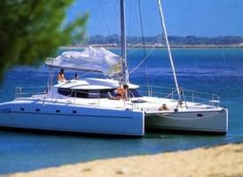 Catamarán - Athena 38