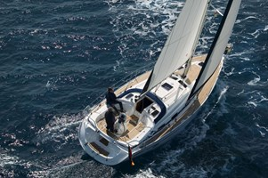 Sailing Boat - Bavaria 39 Cruiser 2006-07