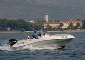 Barco a Motor-Quicksilver 635