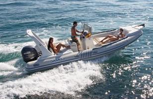 Motorboot-Lomac 675