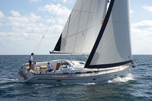 Sailing Boat - Bavaria 43 Cruiser 2009-10