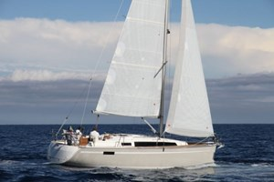 Sailing Boat - Bavaria 33 Cruiser
