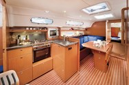 Interior Yachtcharter in Korfu 1