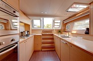Interior Yachtcharter in Denia 3