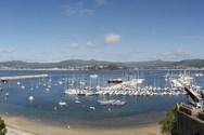 Yacht charter in Baiona 2