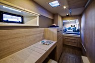 Interior Yachtcharter in Altea 2