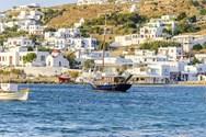 Yacht charter in Mykonos 4
