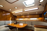 Interior Yachtcharter in Alicante 3