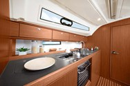 Interior Yachtcharter in Athen 2
