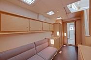 Interior Yachtcharter in Vigo 2