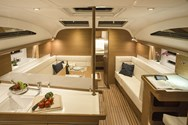 Interior Yachtcharter in Izola 1