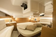 Interior Yachtcharter in Izola 2