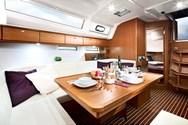 Interior Yachtcharter in Galicien 2