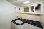 Interior Yachtcharter in Alicante 1