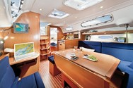 Interior Yachtcharter in Korfu 2