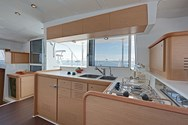 Interior Yachtcharter in Vigo 3
