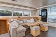 Interior Yachtcharter in Denia 1