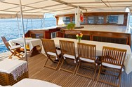Interior de barco de alquiler en Marmaris 1