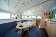 Interior Yachtcharter in Barcelona 2