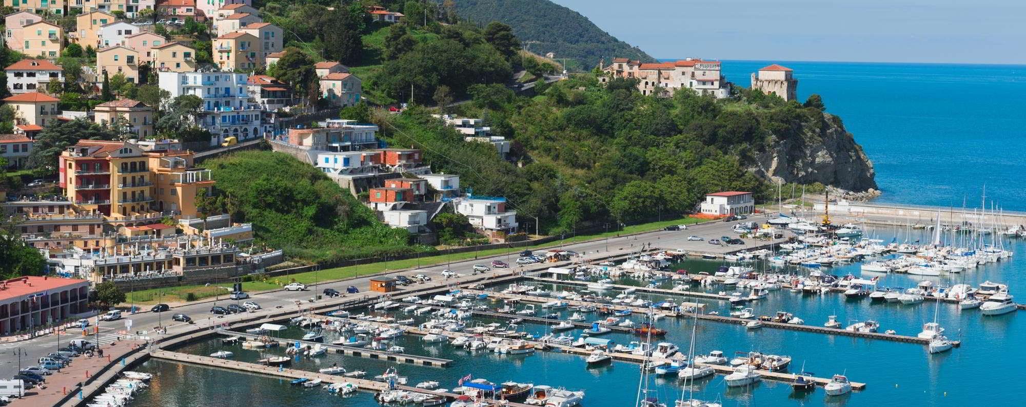 Yacht charter in Agropoli